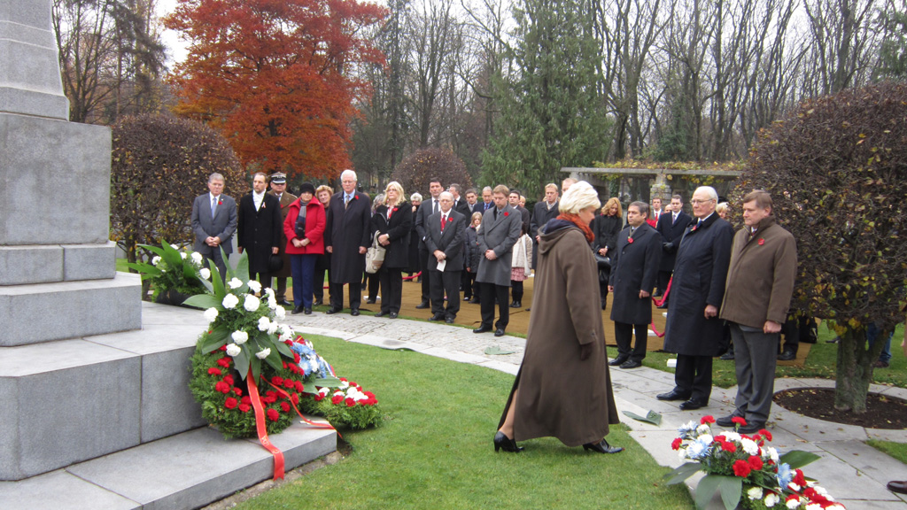 Canadian NATO PA Delegation attends Remembrance Day Ceremony in Commonwealth War Cemetery  @ Olsany, Prague (2)