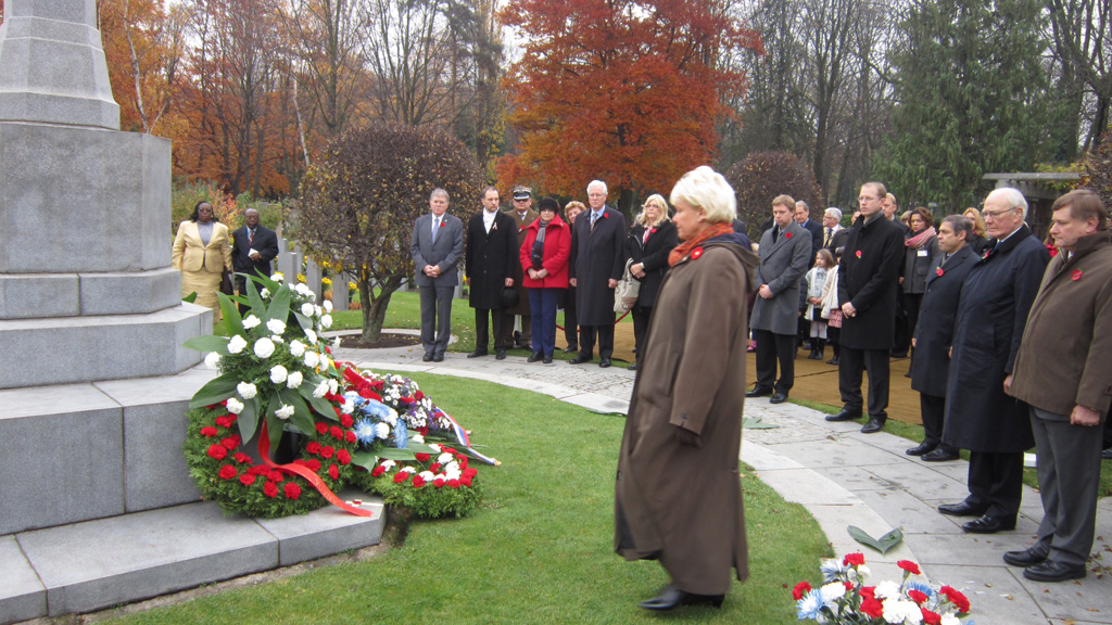 Canadian NATO PA Delegation attends Remembrance Day Ceremony in Commonwealth War Cemetery  @ Olsany, Prague (3)