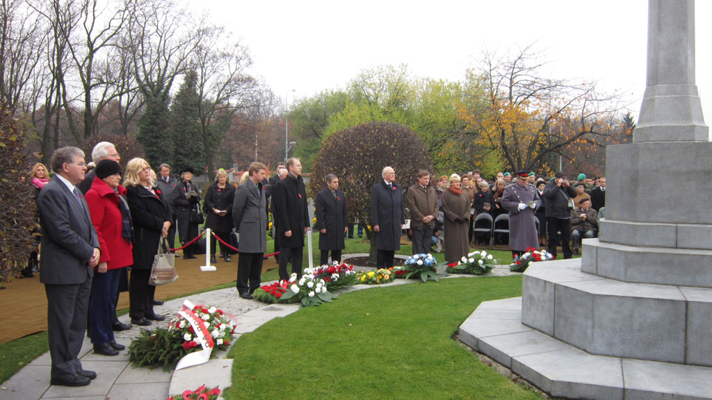 Canadian NATO PA Delegation attends Remembrance Day Ceremony in Commonwealth War Cemetery  @ Olsany, Prague (5)