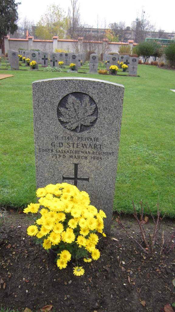 Grave of Canadian Soldier