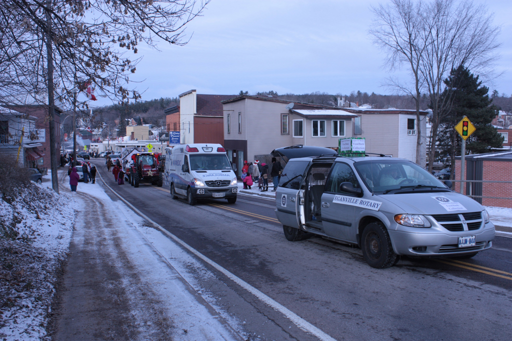 The Rotary Club of Eganville helps others during the Christmas parade