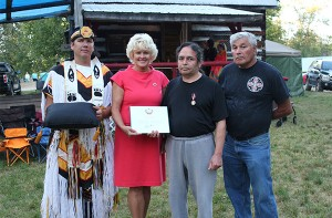 MP-Gallant-presenting-Diamond-Jubilee-Medal-to-Tony-Amikons-600