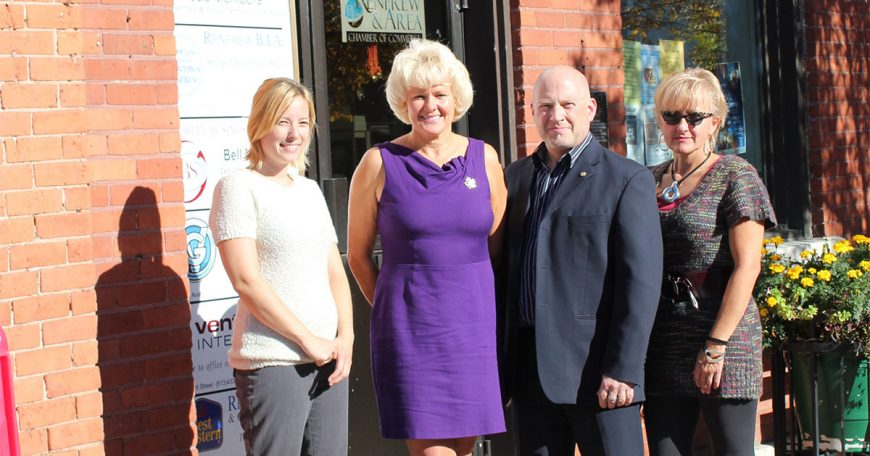 MP-Gallant-at-Renfrew-Chamber-of-Commerce-1200