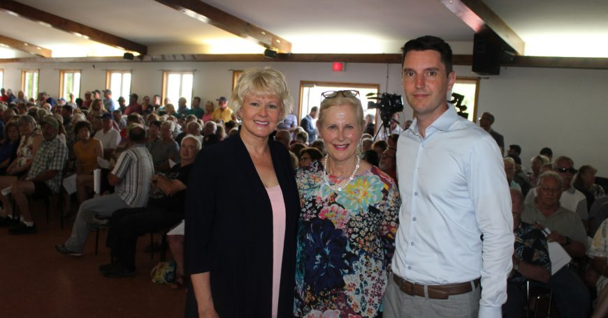 MP Cheryl Gallant urges all Flood Victims to Work Together 1200